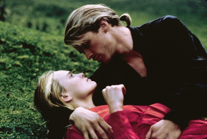 Westley (Cary Elwes) and Buttercup (Robin Wright) share a romantic 'Princess Bride' moment, while Elwes tries not to put weight on his foot. (20th Century Fox)